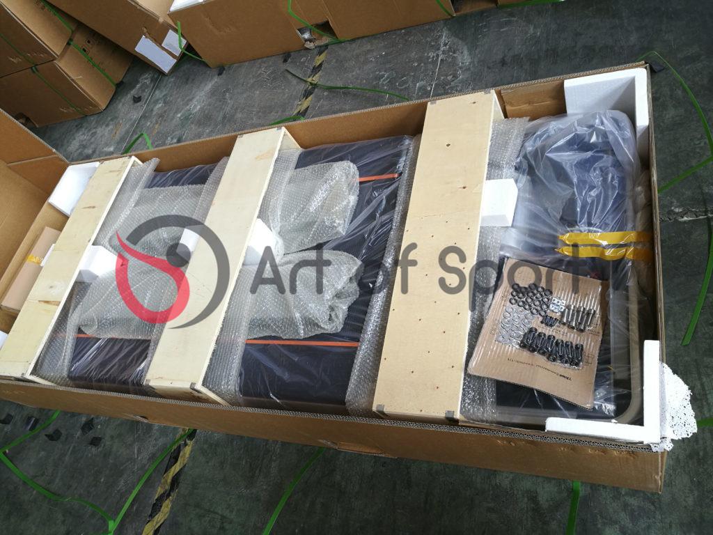 Пример заводской упаковки профессиональный беговой дорожки Art of Sport